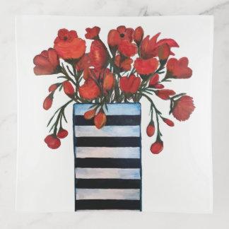 Rote Blumen mit gestreifter Vasen-feiner Kunst Dekoschale