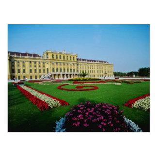 Rote formale Gärten am Eingang zu Schonbrunn Palac Postkarte