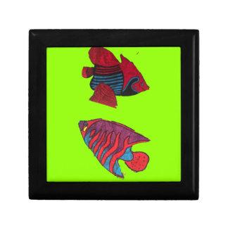 Rote Goldfische leben auf einem grünen Aquarium Erinnerungskiste