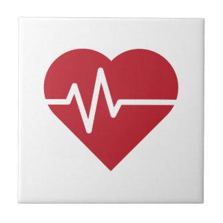Rote Herz-Schläge Fliese