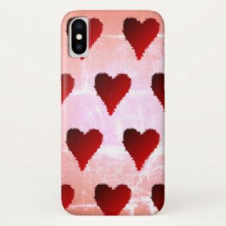 Rote Herzen auf zerstörtem rosa Hintergrund iPhone X Hülle