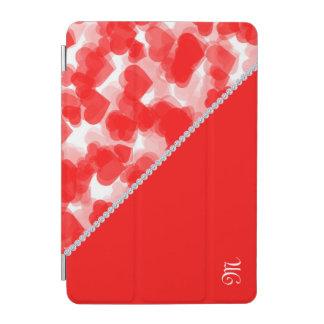 rote Herzen mit Diamanten und Monogramm iPad Mini Hülle
