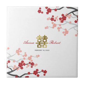 Rote Kirschblüte blüht chinesische Fliese