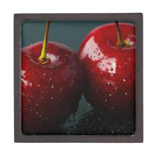 Rote Kirschen Schachtel