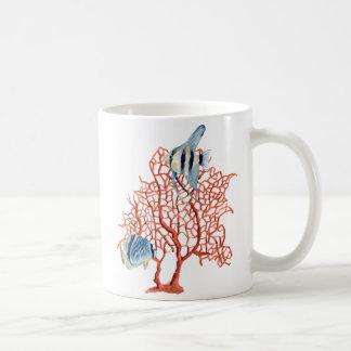 Rote Koralle mit tropischen Fischen, Kaffeetasse