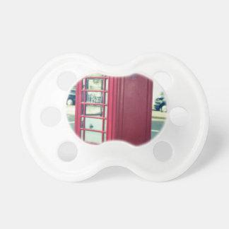 Rote London-Telefonzelle Schnuller