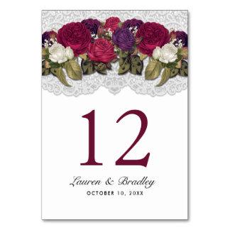 Rote Marsala Burgunder Blumenspitze-Tischnummern Karte