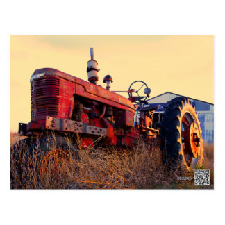 rote Maschine des alten Traktors Vintag Postkarte