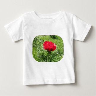 Rote Mohnblume im weichen Plastik Baby T-shirt