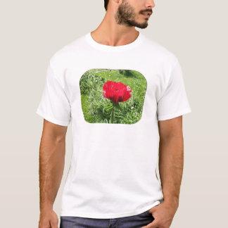 Rote Mohnblume im weichen Plastik T-Shirt