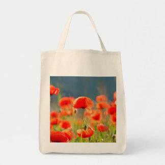 Rote Mohnblumen-Mohnblumen-Blumen-blauer Himmel Tragetasche