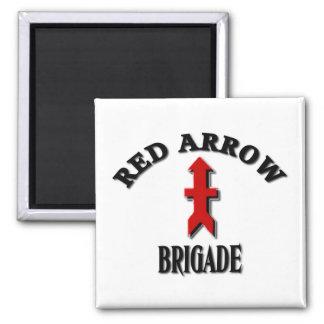 Rote Pfeil-Brigaden-Wisconsin-Nationalgarde Quadratischer Magnet
