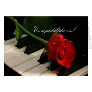 Rote Rose auf Klavier Schlüsseln-Bravissimo! Karte