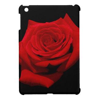 Rote Rose auf schwarzem Hintergrund iPad Mini Hülle