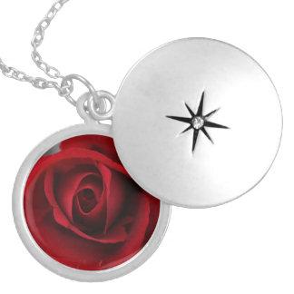 rote Rose Halskette