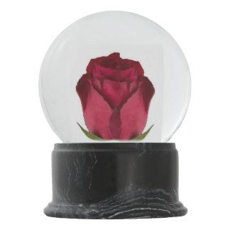 Rote Rose Schneekugel