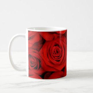 Rote Rosen Tasse
