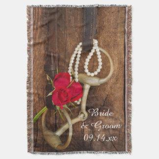 Rote Rosen und Pferdestückchen-Land-Hochzeit Decke