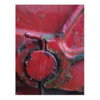Rote rostige LKW-Nahaufnahme Postkarte
