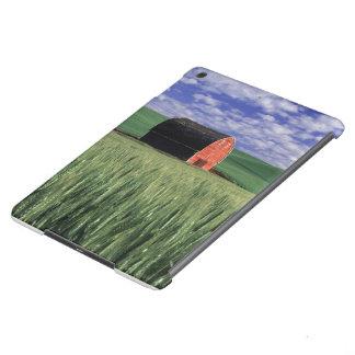Rote Scheune auf dem Weizen- u. Gerstengebiet in iPad Air Hülle