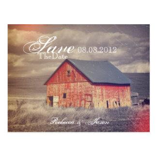 Rote Scheune des rustikalen Landbauernhofes, die Postkarte