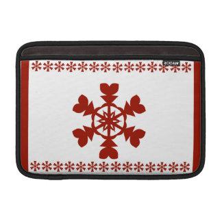 Rote Schneeflocken MacBook Sleeve