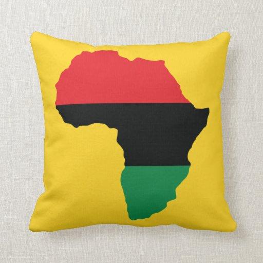 rote schwarze u gr ne afrika flagge kissen zazzle. Black Bedroom Furniture Sets. Home Design Ideas