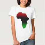 Rote, schwarze und grüne Afrika-Form T-Shirts