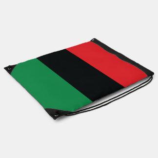 Rote, schwarze und grüne Flagge Sportbeutel