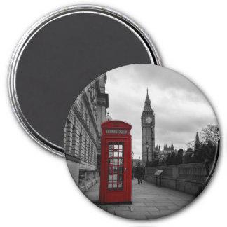 Rote Telefonzelle in rundem Magneten Londons Runder Magnet 7,6 Cm