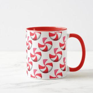 Rote und weiße Pfefferminz-Süßigkeit Tasse