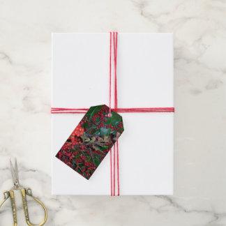 Rote Weihnachtsbeeren-Geschenk-Umbauten Geschenkanhänger