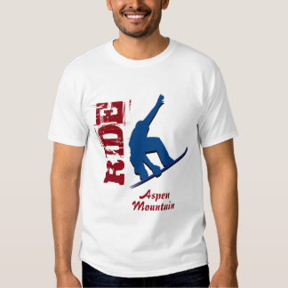 Roter Fahraspen-GebirgsSnowboard T Shirt