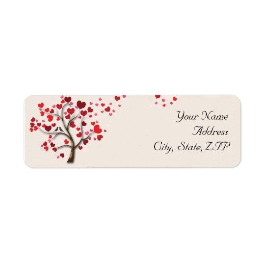 Roter Herz-Baum auf Elfenbein-Rücksendeadresse