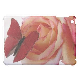 roter Schmetterling auf rosa Rose ipad iPad Mini Hülle