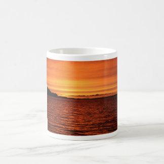 Roter Sonnenuntergang Tasse