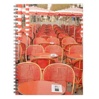Roter Tabellenentwurf Notizblock