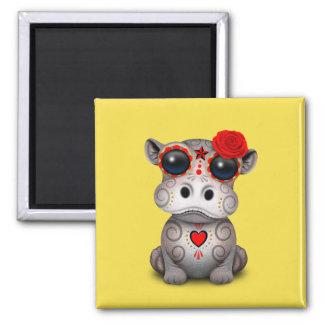Roter Tag des toten Baby-Flusspferds Quadratischer Magnet