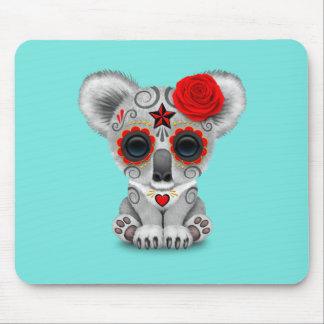 Roter Tag des toten Baby-Koala Mauspads