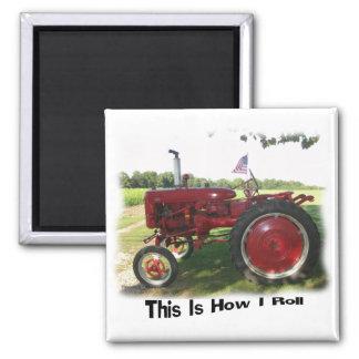 Roter Traktor dieses ist, wie ich Magneten rolle Quadratischer Magnet