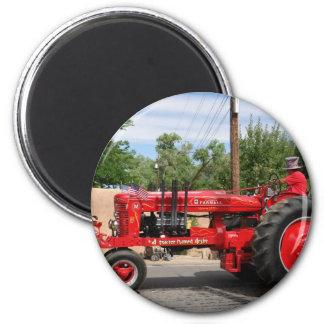 Roter Traktor Kühlschrankmagnete