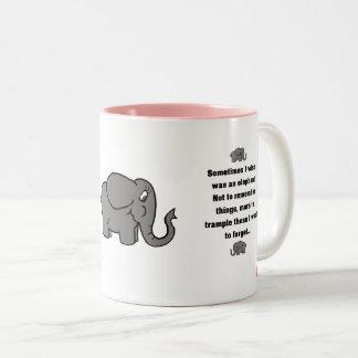 """roter Welpe """"manchmal wünsche ich… Elefanten """" Zweifarbige Tasse"""