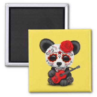 Roter Zuckerschädel-Panda, der Gitarre spielt Quadratischer Magnet