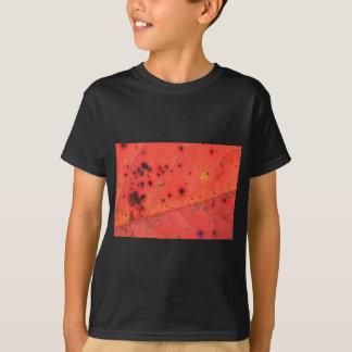 Rotes Blatt-Makro T-Shirt