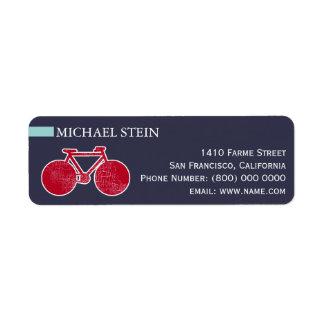 rotes Fahrrad auf Blau