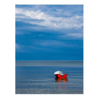 Rotes Fischerboot auf der Ostsee Postkarten