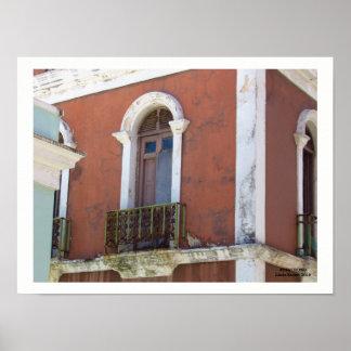 Rotes Gebäude in altem San Juan, Puerto Rico Poster