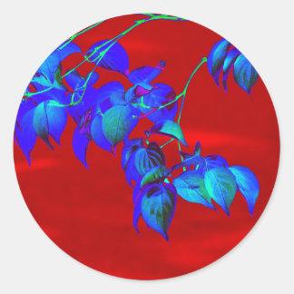 Rotes Himmel-Blau-Blätter Runder Aufkleber