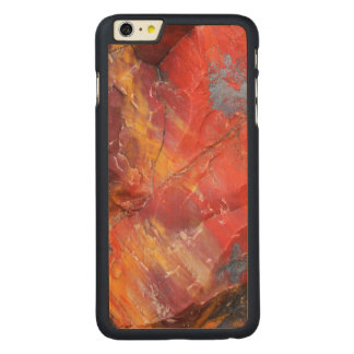 Rotes Holzdetail, Arizona Carved® Maple iPhone 6 Plus Hülle