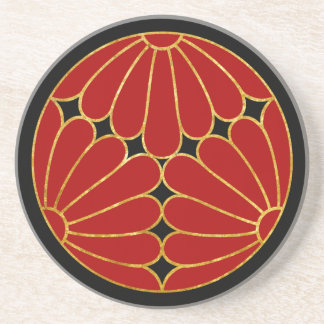 Rotes Imitatgold Kiku Chrysantheme-Montages auf Untersetzer